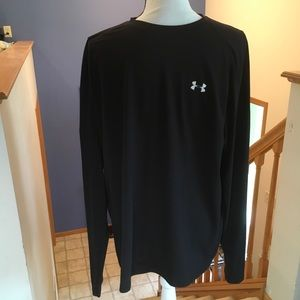 Under Armour Long Sleeve T-Shirt in Black, Size L